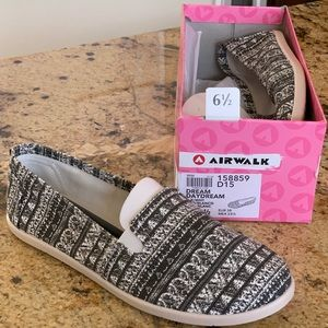 Airwalk Shoes - Girls Airwalk Slip-ons